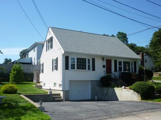 47 Clyde Ave, East Providence, RI 02914