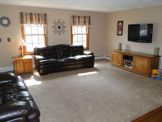 51 Chesett Ln, Attleboro, MA 02703