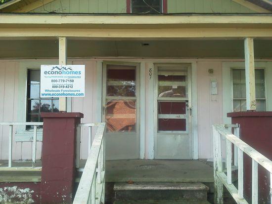 801 Primrose St, Selma, NC 27576