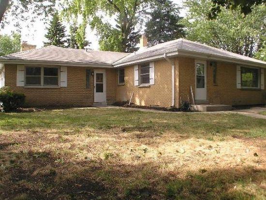 2805 W Vogel Ave, Greenfield, WI 53221