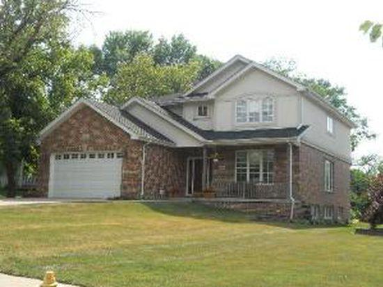 410 N Park St, Westmont, IL 60559