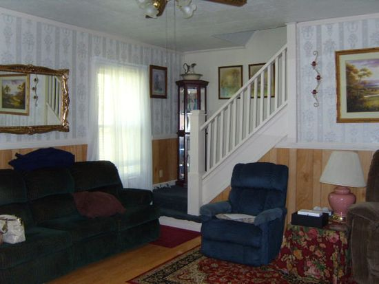 1331 Essex St, Bluefield, WV 24701