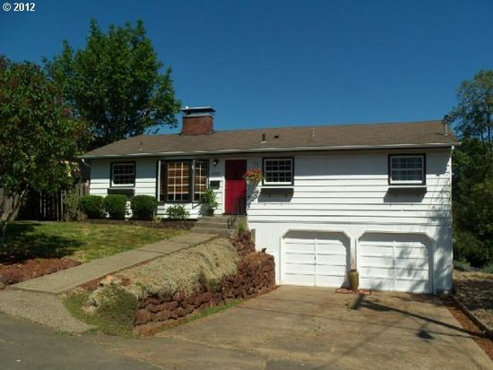 8856 SW 35th Ave, Portland, OR 97219