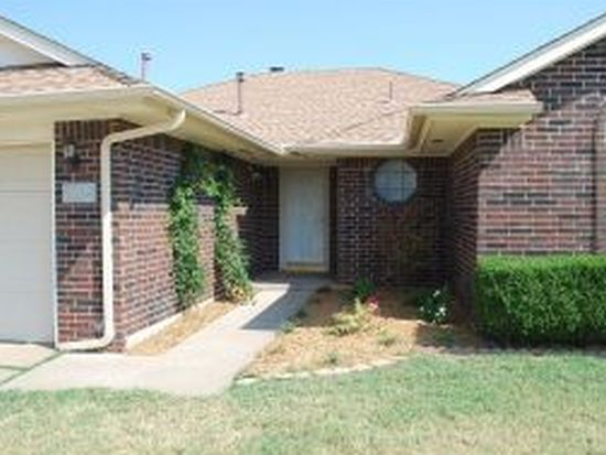 2413 Glen Oaks Dr, Norman, OK 73071