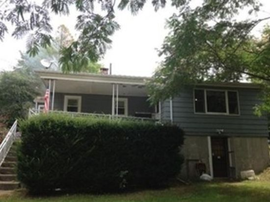 39 Pinewood Ave, Westport, MA 02790
