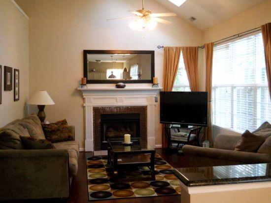 209 Capello Ct, Holly Springs, NC 27540