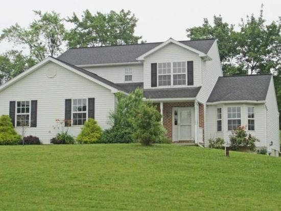 126 Beaver Creek Rd, Fleetwood, PA 19522