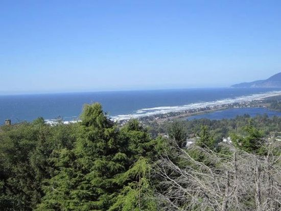 404 Crest Ter, Rockaway Beach, OR 97136