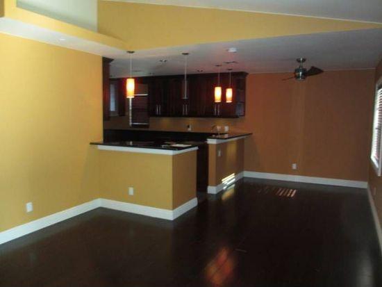 513 Center Point Rd, Valrico, FL 33594