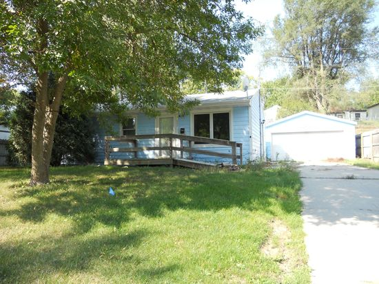 605 E 27th St S, Newton, IA 50208
