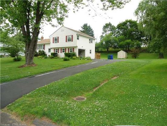 10 Old Village Rd, Bloomfield, CT 06002