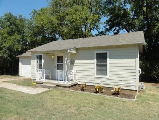 2778 Beverly Hills Dr, Fort Worth, TX 76114