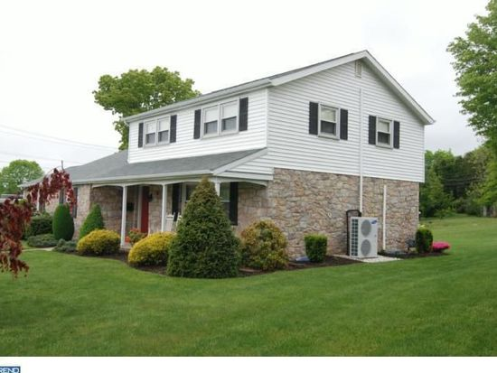 1832 Colony Dr, Wyomissing, PA 19610