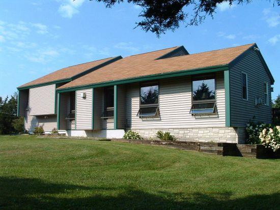 88 Beacon Hill Rd, Grand Isle, VT 05458