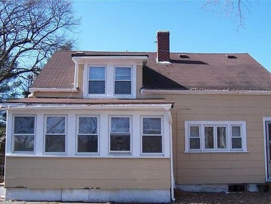 33 Riverview St, North Andover, MA 01845
