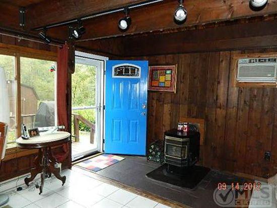 269 Tuckers Corners Rd, Highland, NY 12528