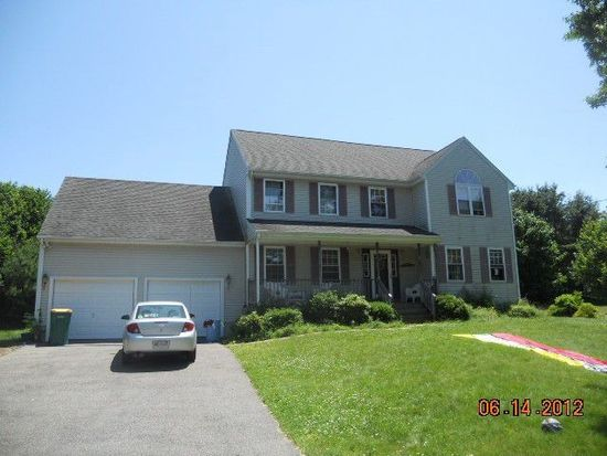 36 Grandview Dr, North Attleboro, MA 02760