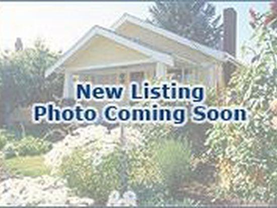 786 Regency Park Dr, Crystal Lake, IL 60014