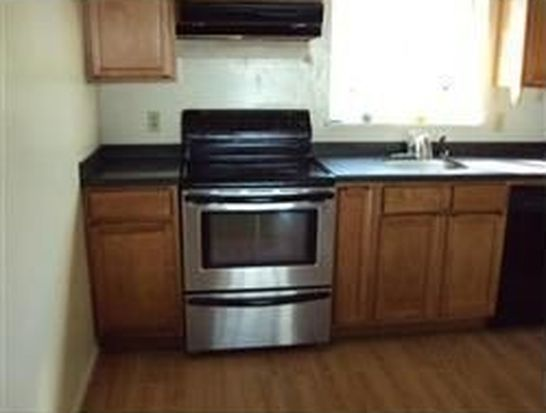 5455 N Main St APT 4C, Fall River, MA 02720
