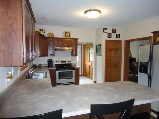 435 Tieline Rd, Grove City, PA 16127