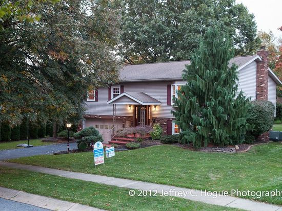 23 Dorchester Dr, Reading, PA 19610
