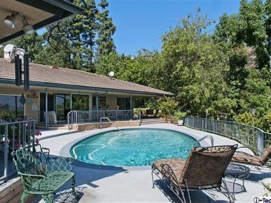 1340 Carnarvon Dr, Pasadena, CA 91103