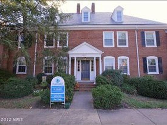 4416 34th St S APT B1, Arlington, VA 22206
