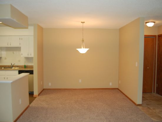 3915 Foss Rd APT 207, Columbia Heights, MN 55421