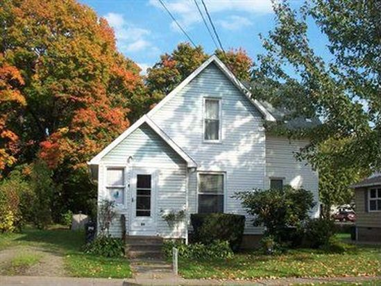 20 Town St, North East, PA 16428