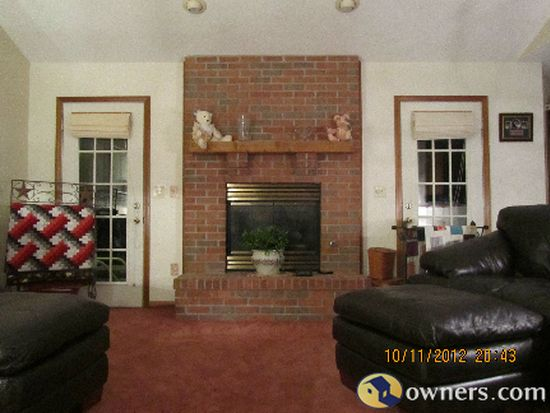 100 Deans Ct, Englewood, OH 45322