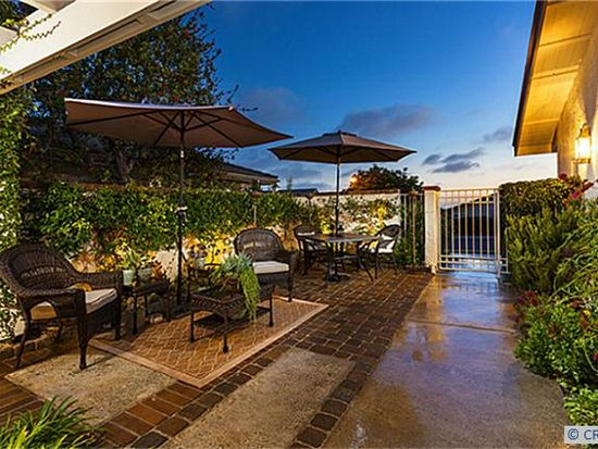 12 Jetty Dr, Corona Del Mar, CA 92625