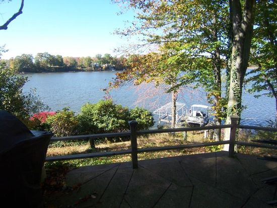 1523 Morning Star Dr, Roaming Shores, OH 44084