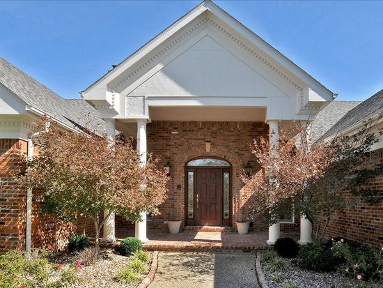 2240 Dunhill Way Ct, Chesterfield, MO 63005