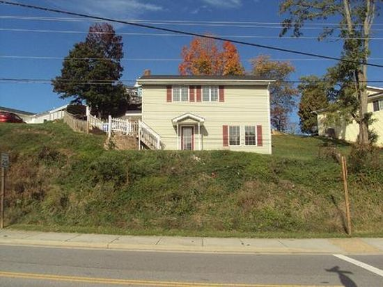 610 Hillcrest Dr, Christiansburg, VA 24073