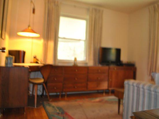 32 Leoson Pkwy, Old Tappan, NJ 07675