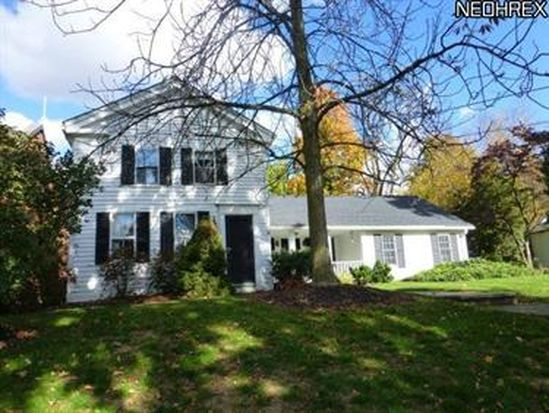 33 E Orange St, Chagrin Falls, OH 44022