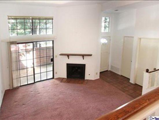 22000 Collins St APT 8, Woodland Hills, CA 91367
