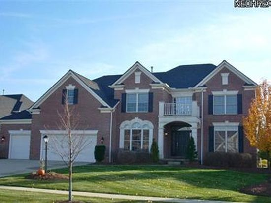 20285 E Donegal Ln, Strongsville, OH 44149