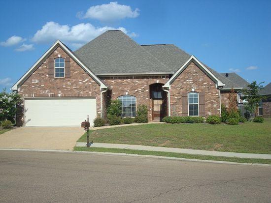 213 Eastside Ln, Brandon, MS 39047