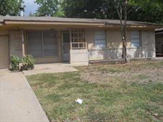 2411 E Mitchell St, Arlington, TX 76010