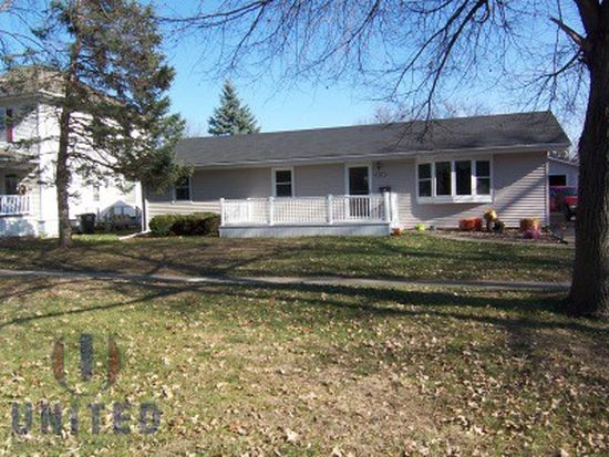 108 S 4th St, Moville, IA 51039