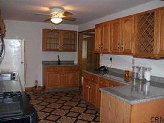 93 2ND Dyke Rd, Averill Park, NY 12018