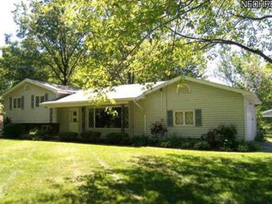 27 W Bel Meadow Ln, Chagrin Falls, OH 44022