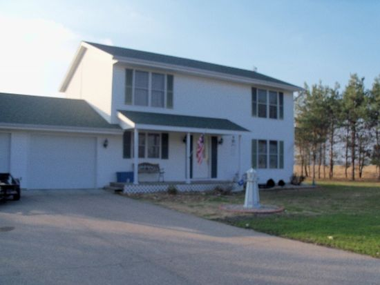 7598 Pine Trail Ct, Culver, IN 46511