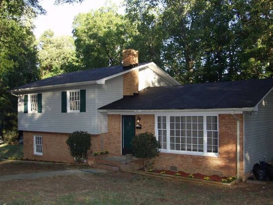 3716 Winterfield Pl, Charlotte, NC 28205