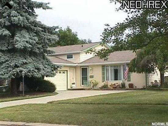 20276 Applewood Ln, Strongsville, OH 44149