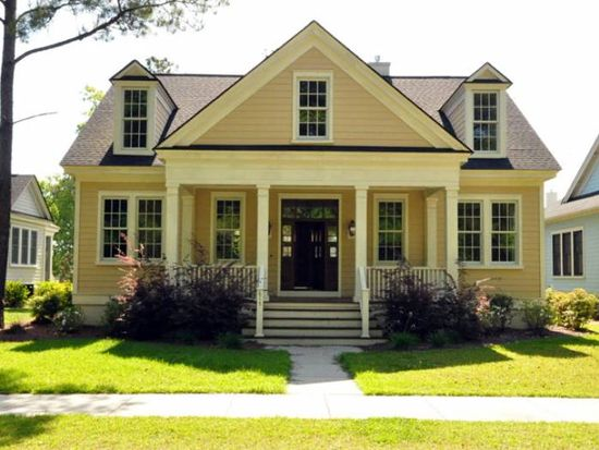 615 N Hickory St, Summerville, SC 29483