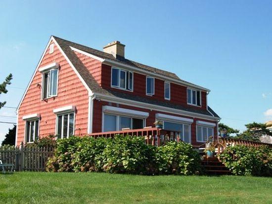 14 Calef Ave, Narragansett, RI 02882