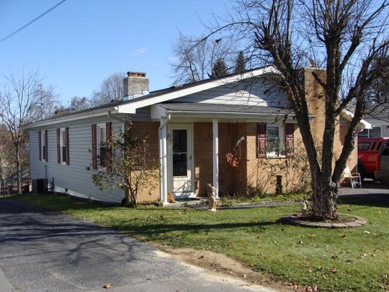 319 Mankin Ave, Beckley, WV 25801