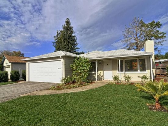 2732 Kensington Rd, Redwood City, CA 94061